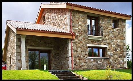 Fachadas de casas modernas con piedra laja imagenes de for Casas con piedras en la fachada