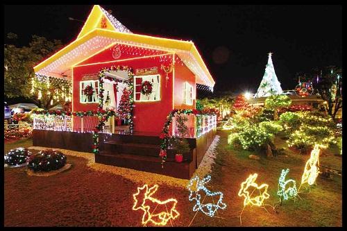 Casas navide as decoradas imagenes de casas del futuro for Casas decoradas en navidad