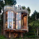Hermosa Casa De Madera De Forma Cilindrica